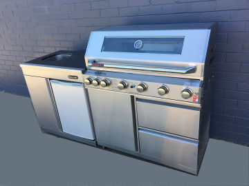 Grillmaster 6 with sink/fridge